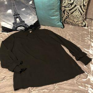 SALE 🎁3 For $20🎁 Black Blouse
